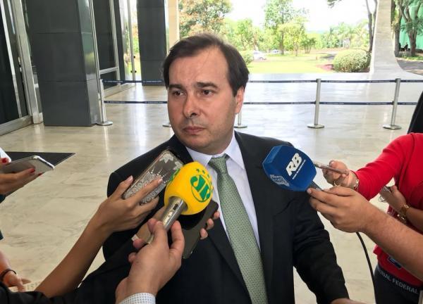 O presidente da Câmara, Rodrigo Maia (DEM-RJ), durante entrevista em Brasília (Foto: Bernardo Caram/G1)