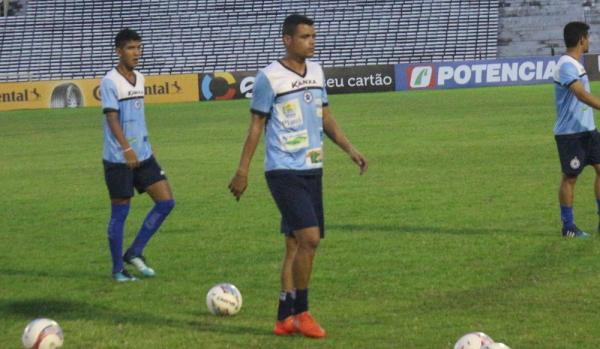 Ítalo fez seu primeiro trabalho com a equipe do Parnahyba (Foto: Wenner Tito/GloboEsporte.com)